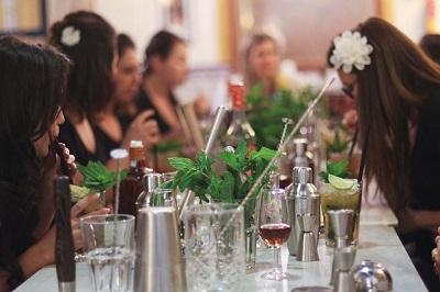 cocktail-making-classes-malaga
