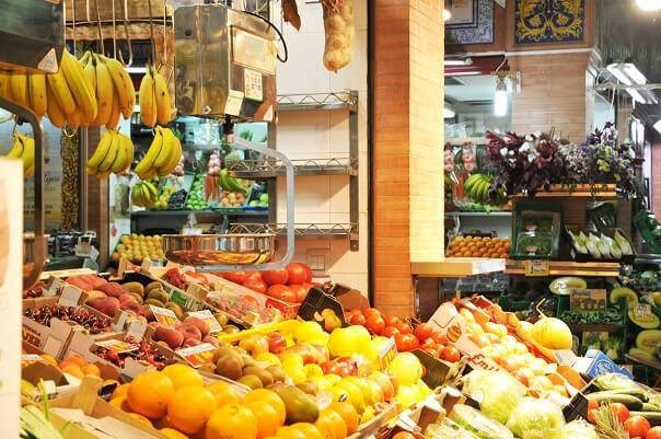 Triana Market stalls
