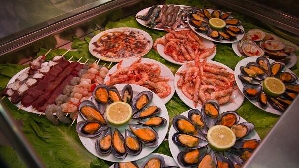 seafood malaga market