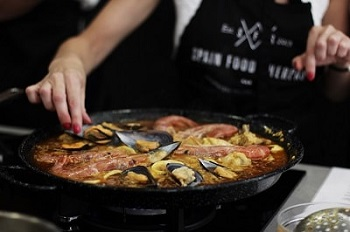 paella cooking lesson malaga spain food sherpas