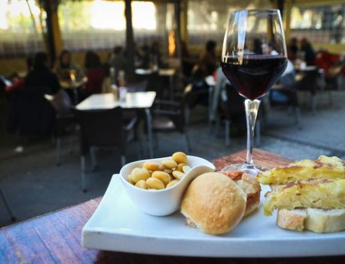"Tapas Tour through Granada's traditional neighborhood ""El Realejo"""