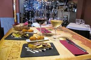 wine tasting and tapas tour malaga