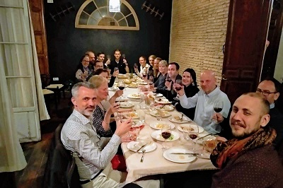 corporate wine and tapas tour in malaga