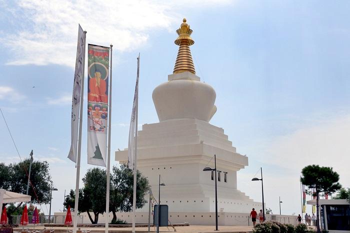 stupa benalamadena