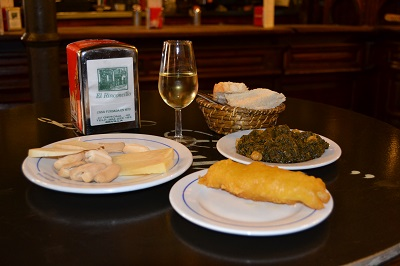 traditional manzanilla spinach local cheese food tour seville
