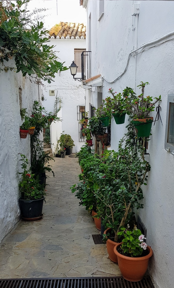 Casares streets and alleys